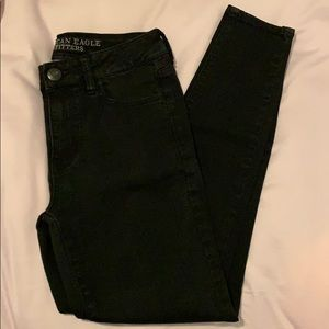 American Eagle Outfitters - High-Rise black jeans